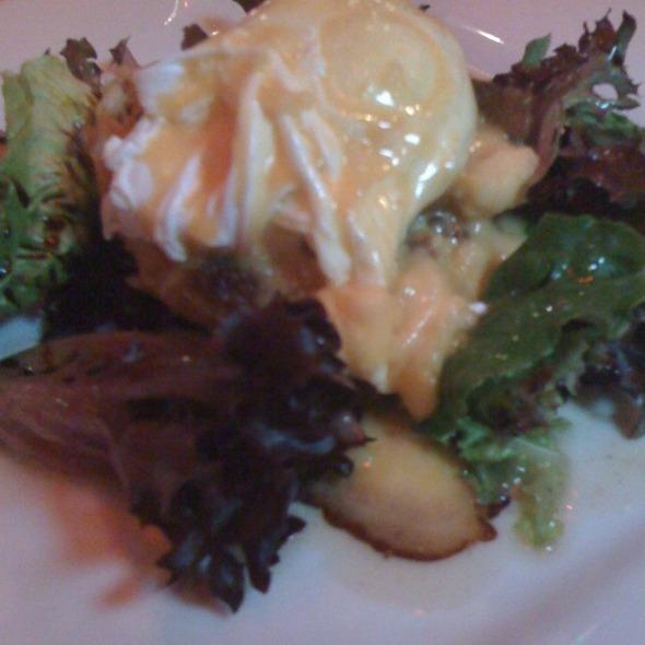 Crab Benedict greens @ Eat