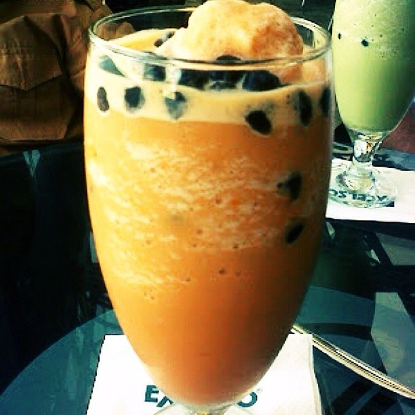 Thai Iced Tea With Pearls