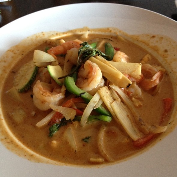 Red Curry @ Naviya's Thai Brasserie