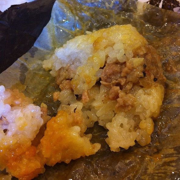 how to eat sticky rice in lotus leaf