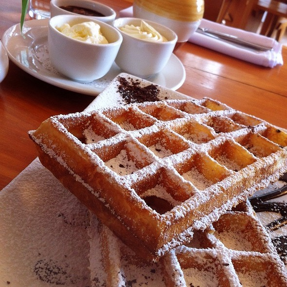 Belgian Waffles @ House of Anvers Chocolate Factory