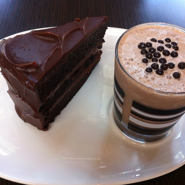 cake and shake @ D Bar