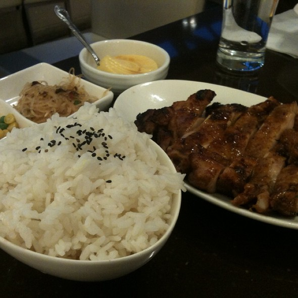 Bbq Chicken With Steamed Rice @ Tri-Ty Cafe