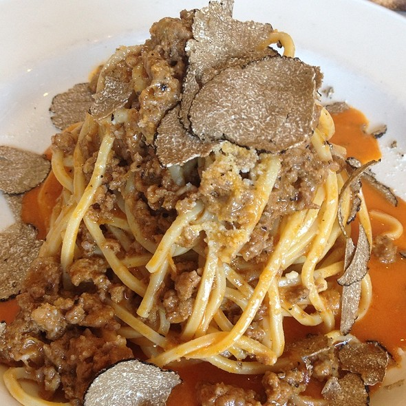 Truffle And Meat Sauce Pasta