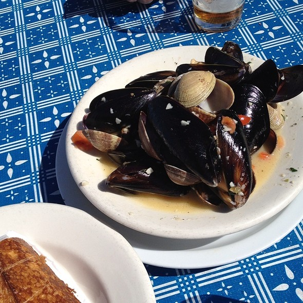 Mussels & Clams @ Pier 23 Cafe