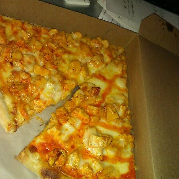 Buffalo Chicken Pizza @ Croydon Pizza