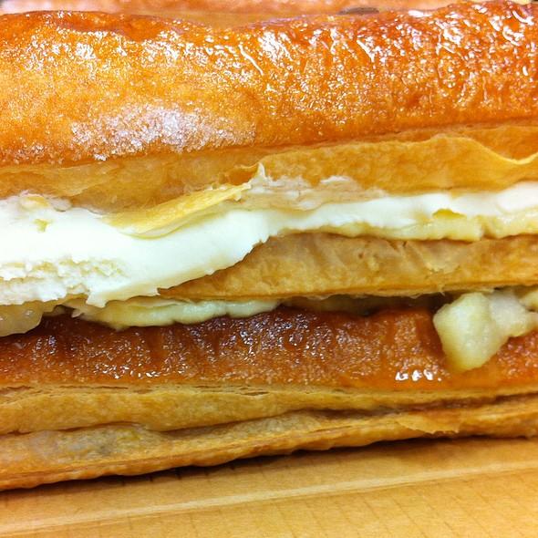 Apple Strudel @ Ritz Apple Strudel & Pastry