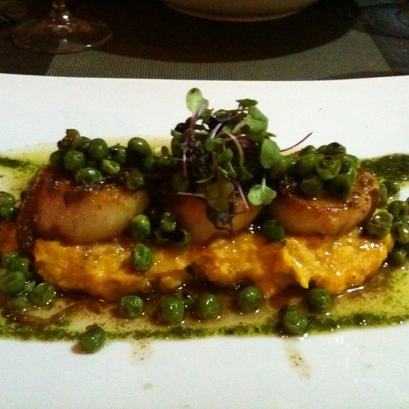 Dive Scallops With Butternut Squash Brandade With Walnuts Vinaigrette
