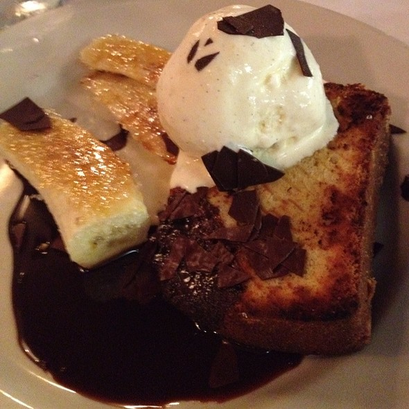 Nonna's Pound Cake @ Maggiano's Little Italy