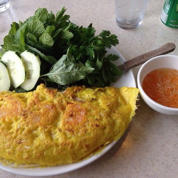 Banh Xeo (Vietnamese Crepe with Shrimp, Chicken & Bean Sprouts)