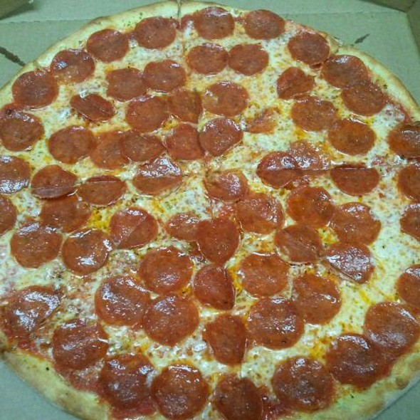 Pepperoni Pizza @ Frank's Pizzaria