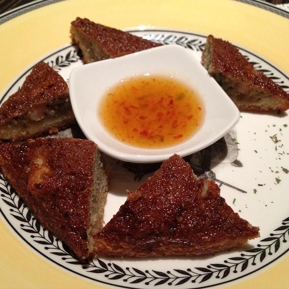Thai Toast De Camarão E Porco @ Pimenta Fantasma Spicy Bistro