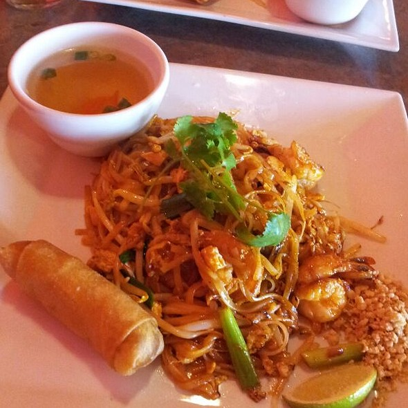 shrimp pad thai - Aloy Thai Cuisine, Boulder, CO