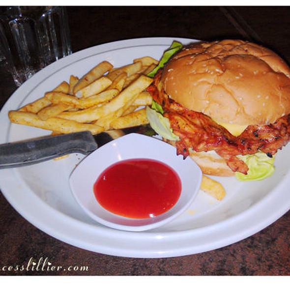 """""""XL"""" Chicken Burger"""