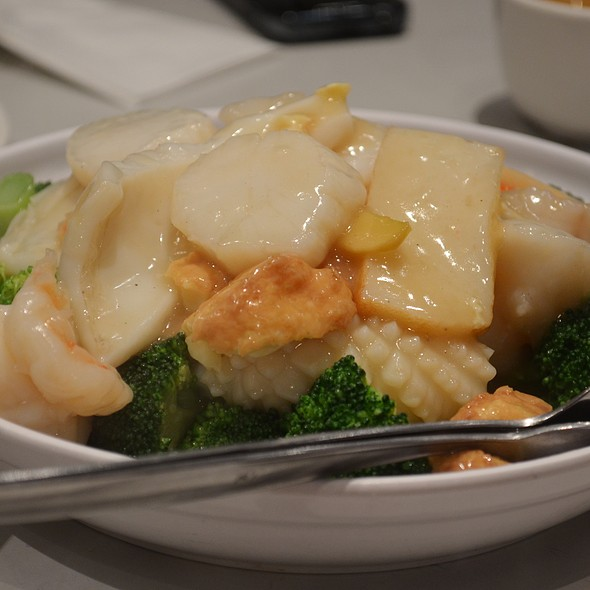 Tofu With Mixed Seafood And Vegetables @ Pacific Seafood BBQ House