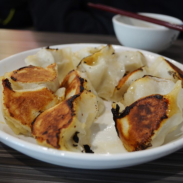 Crispy Pan-Fried Pork Dumplings @ ramen king