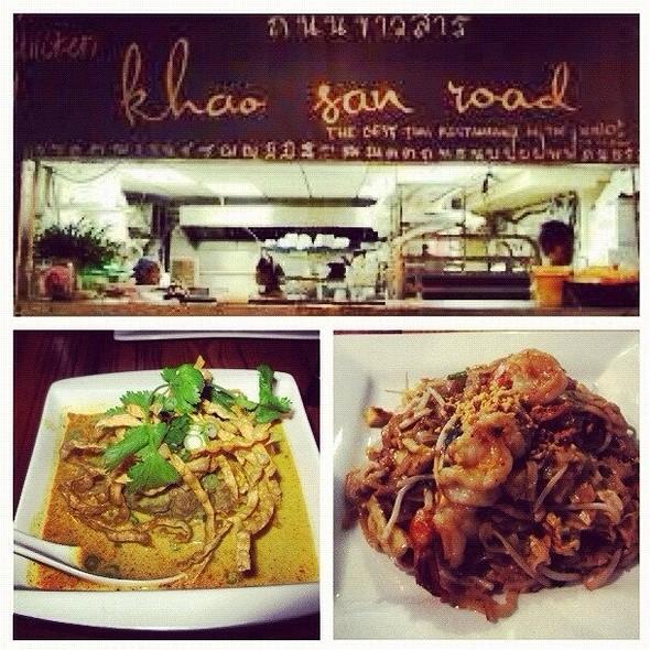shrimp pad thai @ Khao San Road