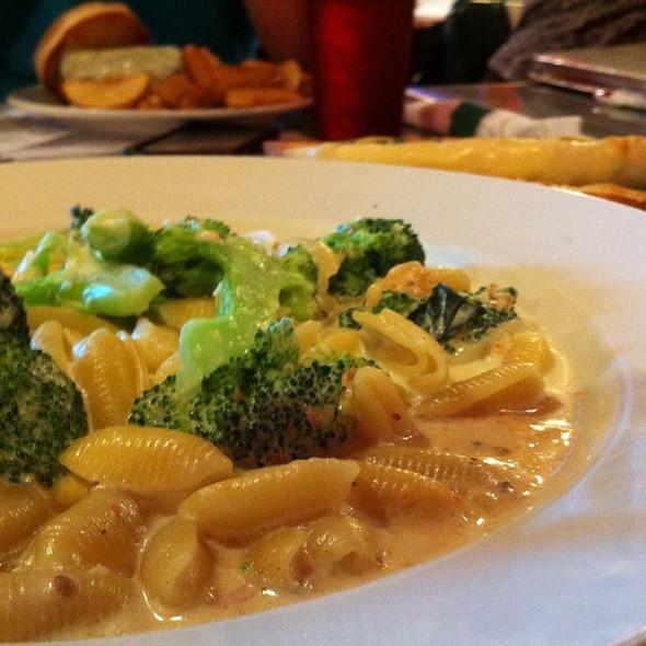 Pasta Con Broccoli @ Frisco's