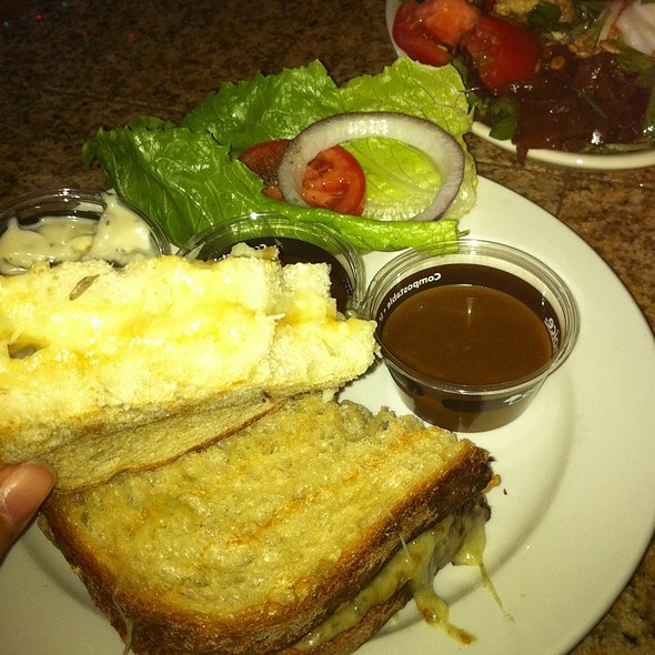 Wasabi Grilled Cheese W Stetler Salad @ Bleu Bistro's Grotto