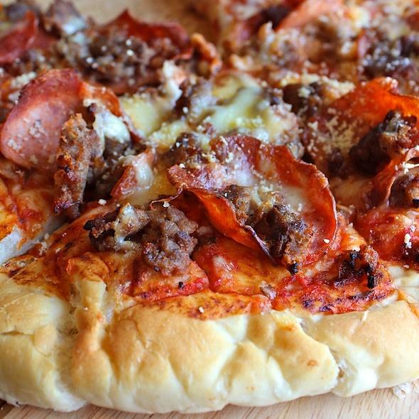 Homemade Hamburger & Pepperoni Pizza @ Pongchai's