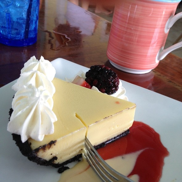 Key Lime Pie @ Southernmost Beach Cafe