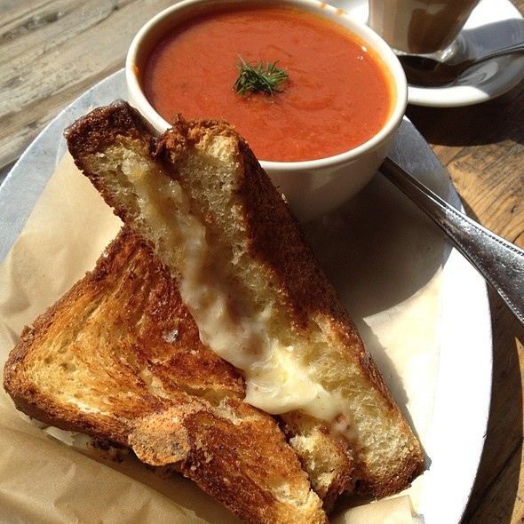 Cheddar & Mozzarella Grilled Cheese With Tomato Soup @ The Queens Kickshaw