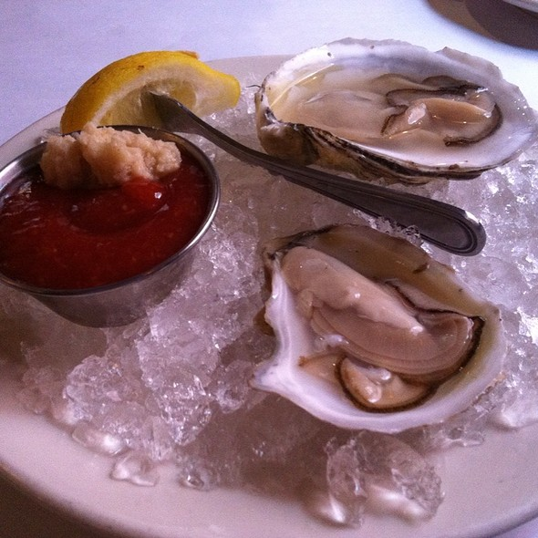 Pemaquid Oysters  @ Turner's Seafood Grill & Market