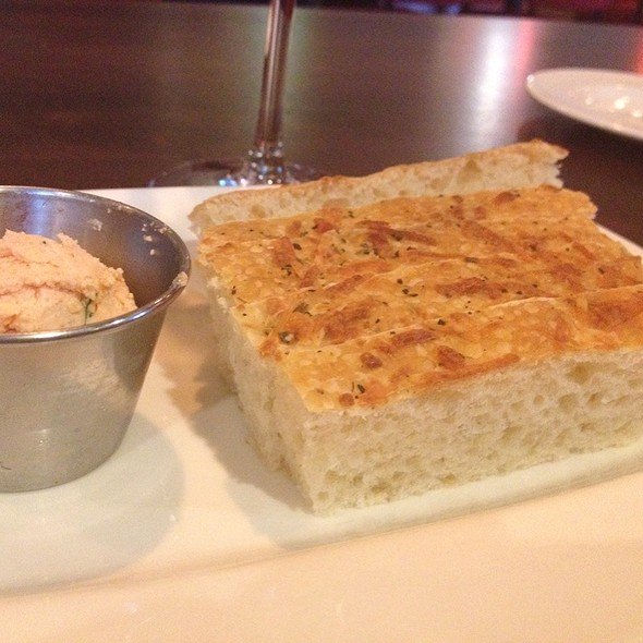 Bread With Roasted Tomato & Garlic Butter - Chops - Folsom, Folsom, CA
