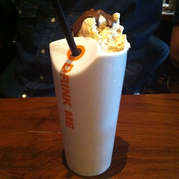 Eighties Milkshake @ Max Brenner