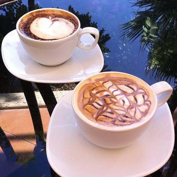 Cafe Mocha & Cafe Melange @ Amara Dolce Vita