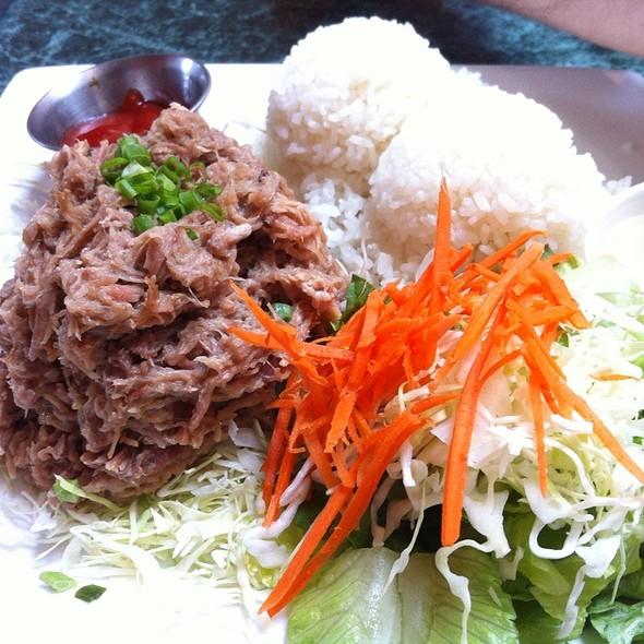 Kalua Pork @ Da Kitchen Kahului
