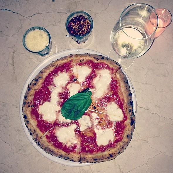 Pizza @ Caffe Calabria