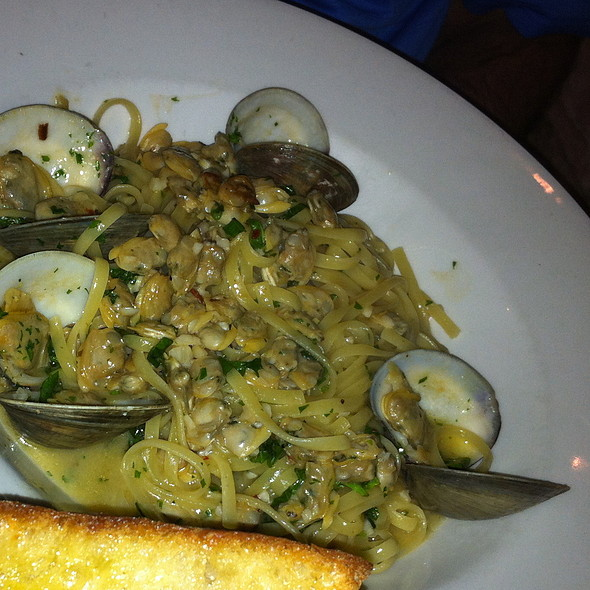 Linguini with Clams @ Metro North