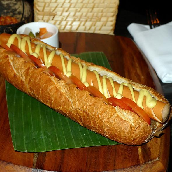 Foot long hot dog at beer vault four points by sheraton bangkok
