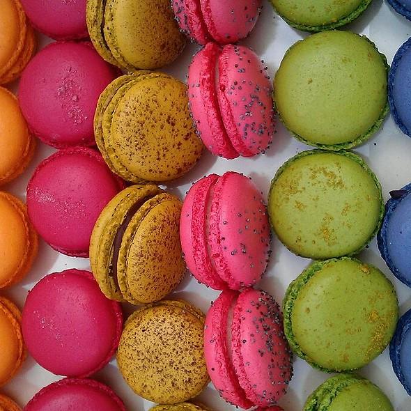 Macarons @ Zazzi cukrászda és kávézó