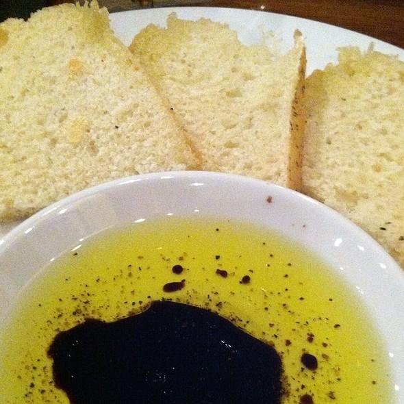 Bread Service @ DePalma's Italian Cafe