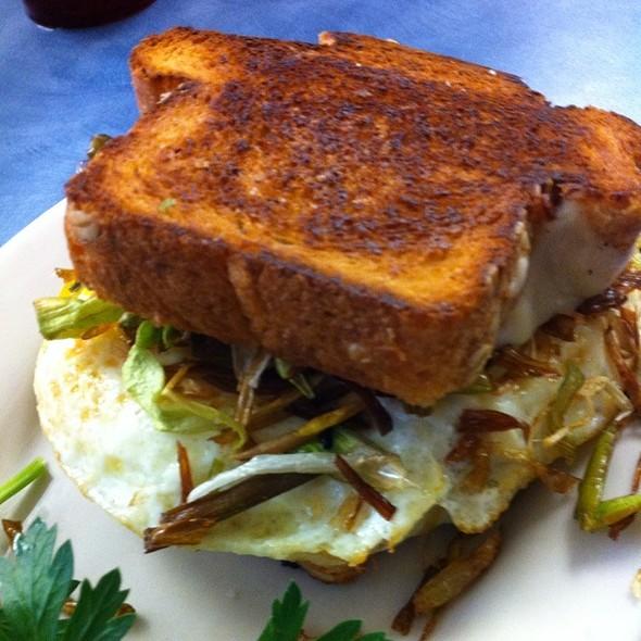 Shultz Sandwich