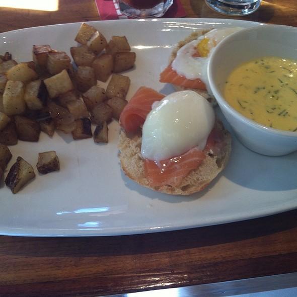 Smoked Salmon Eggs Benedict @ Square Peg