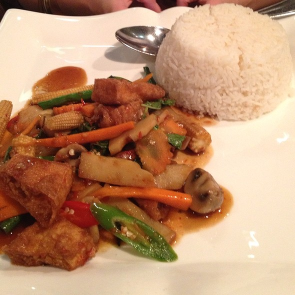 Chili And Vegetable Stir Fry With Rice - Try Thai, Manchester