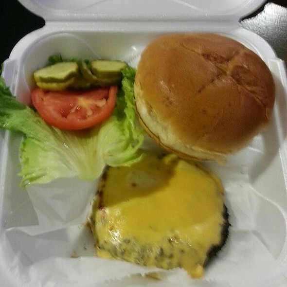 Angus Burger W/ Cheese @ Bru's Room Sports Grill