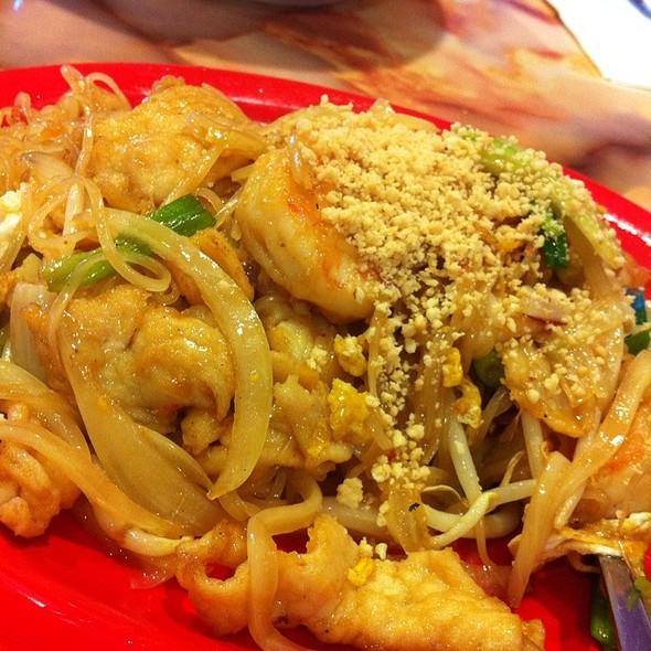 Pad Thai @ Phantasia Restaurant
