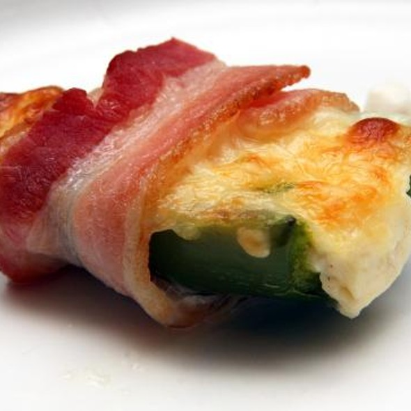 Bacon, Cheese & Jalopeno Popper  @ Gástro Ecléctico
