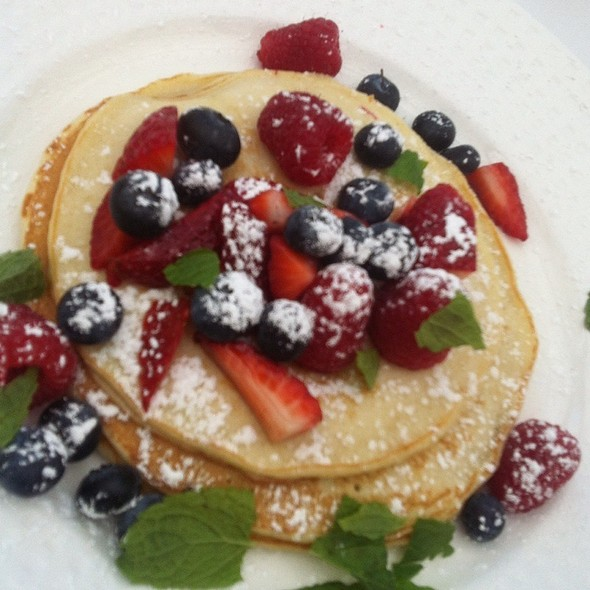 Berry Pancakes @ Garfield's Restaurant
