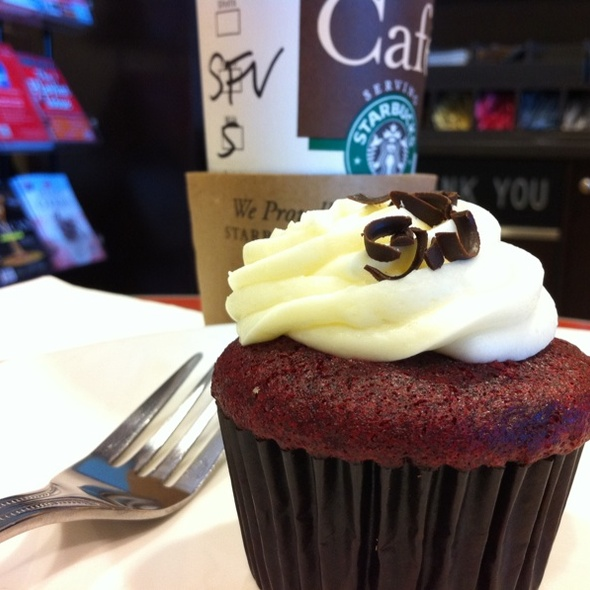 Red Velvet Cupcake @ Barnes and Noble Cafe