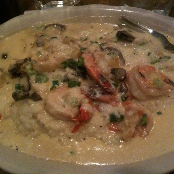 Shrimp & (Creamy) Grits