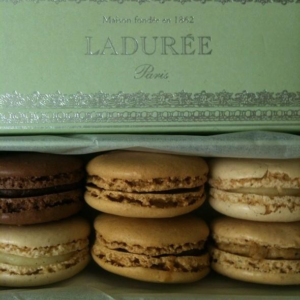 Macarons @ Ladurée