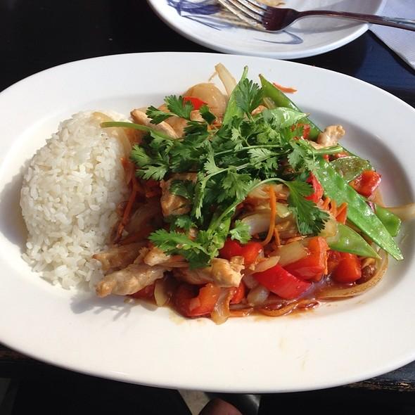 Szechuan Chicken, Rice and Veggies