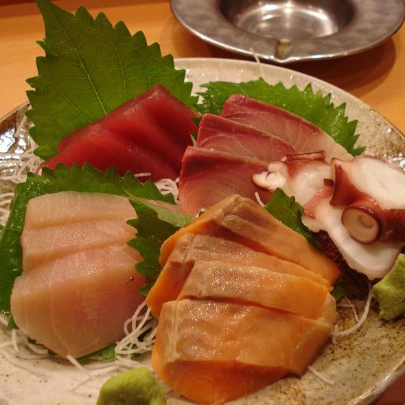 Sashimi @ 7-11 Shibuya Sakuragaoka