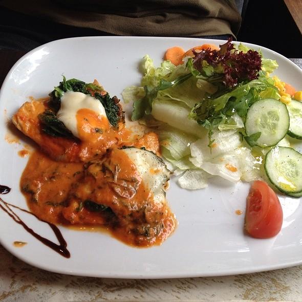 Turkey breast, pasta, and Salad @ Caffè Curto