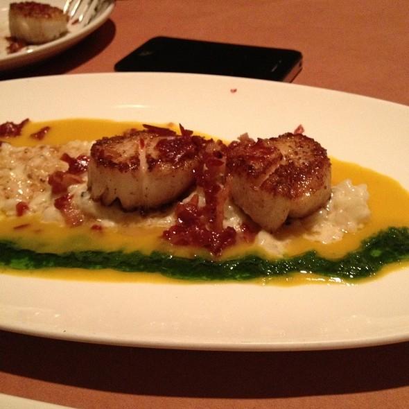 Scallops - Benchmark Restaurant, Brooklyn, NY